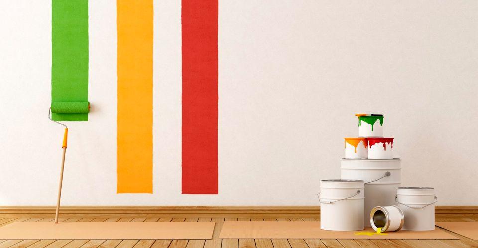 Если надоел цвет обоев, то чем их покрасить?